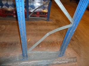 diagonales dobladas de bastidor de estanterías industriales metálicas