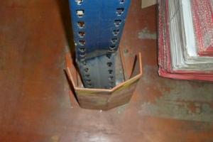 puntal doblado en el plano del bastidor